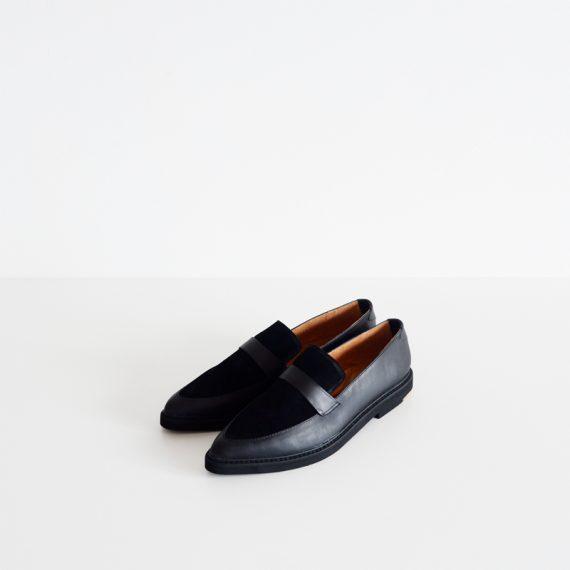 Ishana Royal Black-1 (1199k IDR, 125 USD)